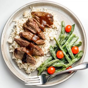 Healthy Beef Medallions with Rice and Green Beans and Cherry Tomatoes - Fitness Nutrition